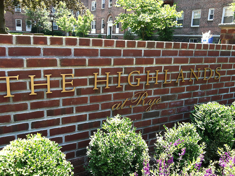 highlands apartments in rye ny entrance sign
